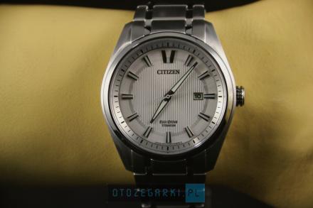 Citizen AW1240-57A Zegarek Męski na bransolecie Eco Drive Titanium
