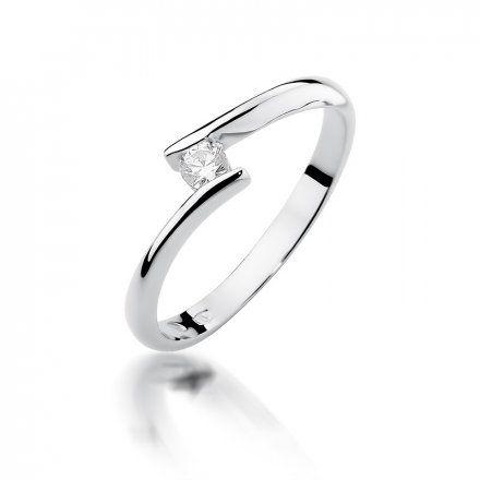 Biżuteria SAXO 14K Pierścionek z brylantem 0,09ct W-371 Białe Złoto