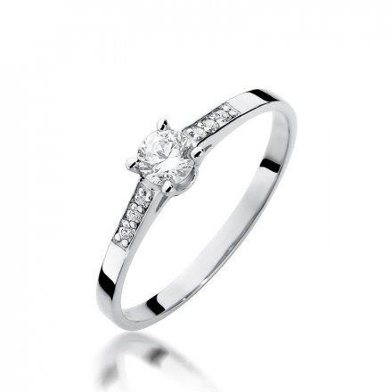 Biżuteria SAXO 14K Pierścionek z brylantami 0,21ct W-399 Białe Złoto