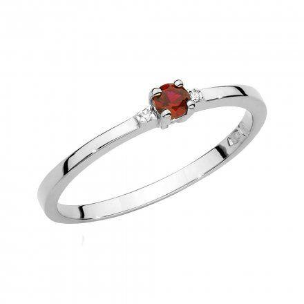 Biżuteria SAXO 14K Pierścionek z rubinem i diamentami 0,15ct BC-023 Białe Złoto