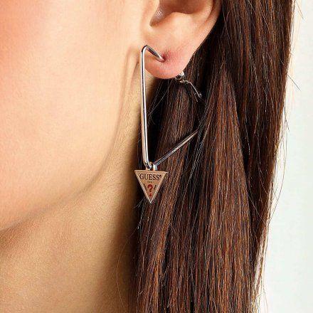 Biżuteria Guess kolczyki srebrne trójkąty UBE79058