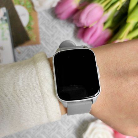 Srebrny smartwatch Gino Rossi SW009-1