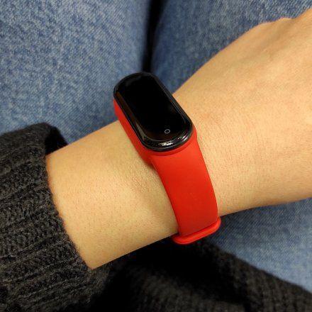 Czerwona opaska sportowa Smartband Marea B57007/3