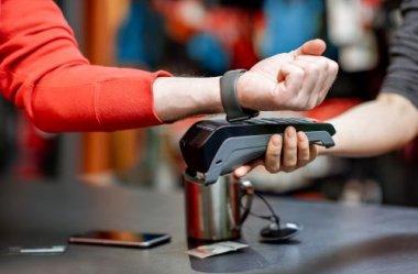 Płatności zbliżeniowe dzięki smartwatchom z NFC