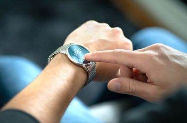 Piękne i funkcjonalne – smartwatche marek modowych