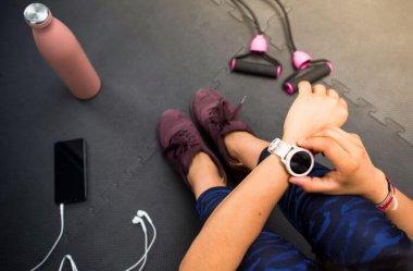 3 funkcje smartwatcha, które pomogą w dążeniu do doskonałej sylwetki