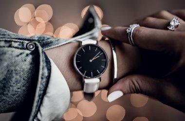 Jak dobrać biżuterię do zegarka?
