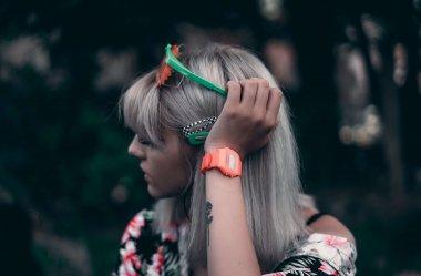 8 modnych zegarków damskich do 500 zł
